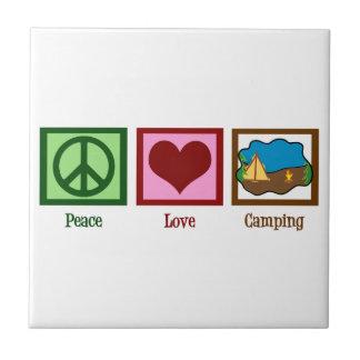 El acampar del amor de la paz azulejo cuadrado pequeño