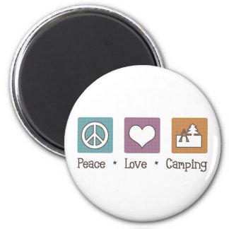 El acampar del amor de la paz iman