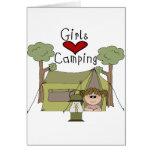 El acampar del amor de los chicas tarjetón