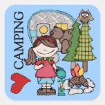 El acampar del amor del chica I del pelo de Brown Calcomanías Cuadradases