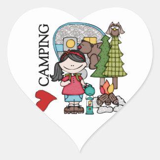 El acampar del amor del chica I del pelo negro Pegatina De Corazon Personalizadas