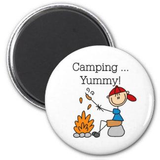 El acampar es delicioso imán de frigorifico
