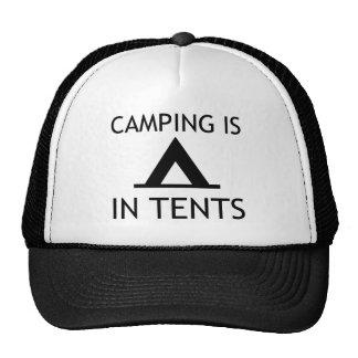 El acampar está en retruécano divertido de las gorra