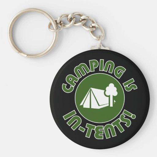 El acampar está en tiendas llavero redondo tipo pin