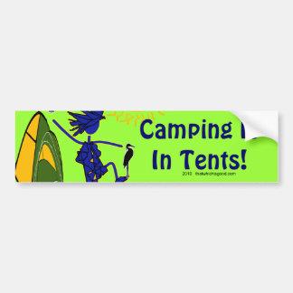 El acampar está (intenso) en tiendas pegatina para auto