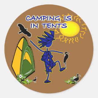 El acampar está (intenso) en tiendas pegatina redonda