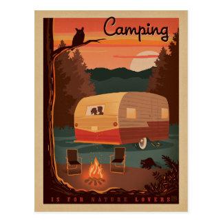 El acampar está para los amantes de naturaleza postales