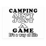 El acampar no es apenas un juego que es una manera postales