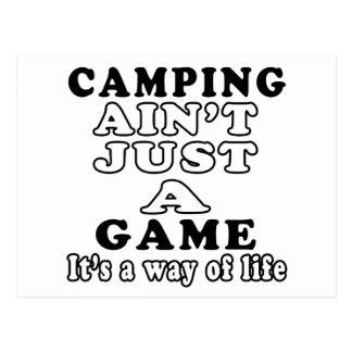 El acampar no es apenas un juego que es una manera postal