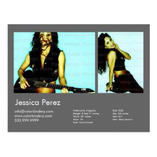 El actor el modelo 2 tiró la tarjeta gris oscuro d tarjetas postales