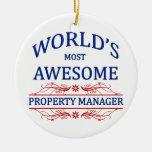 El administrador de la propiedad más impresionante ornamento de navidad