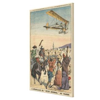 """El aeroplano del """"diario pequeno"""" que vuela encima lona envuelta para galerias"""