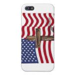 El agitar americano de la bandera y cruz rugosa iPhone 5 protectores