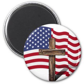 El agitar americano de la bandera y cruz rugosa imanes de nevera