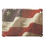 El agitar patriótico de la bandera americana talla
