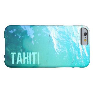 El agua de encargo de Tahití sombrea OCW Funda De iPhone 6 Barely There