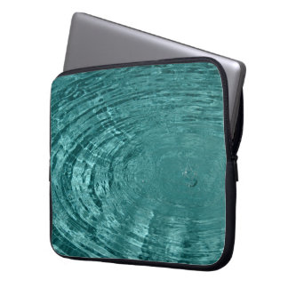 El agua ondula la manga del ordenador portátil fundas portátiles