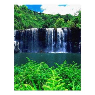 El agua recluida cae Kauai Plantillas De Membrete
