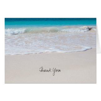 El agua tropical del océano, casandose le agradece tarjeta pequeña