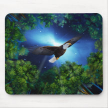 El águila y el bosque tapete de ratón