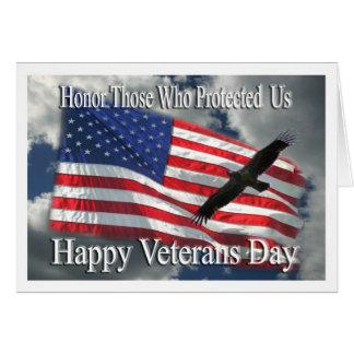 El águila y la bandera del día de veteranos le agr tarjetón
