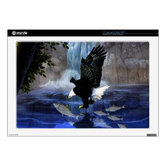 El águila y la cascada portátil calcomanía