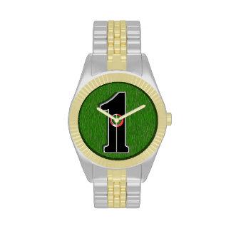 El agujero afortunado del golfista en uno relojes de pulsera