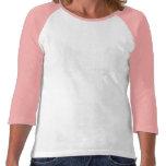 El agujero de la mujer en un golf de jactancia del camiseta