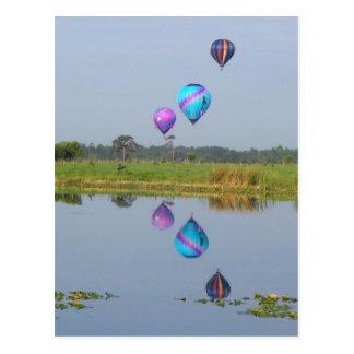 El aire caliente colorido hincha imagen fotográfic postales