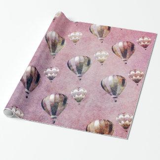 El aire caliente del vintage hincha el damasco papel de regalo