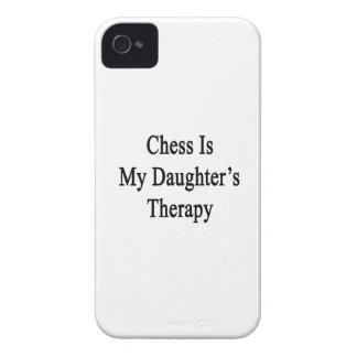 El ajedrez es la terapia de mi hija iPhone 4 Case-Mate protectores