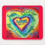 El alcohol del corazón del arco iris redacta Mouse Tapetes De Ratón
