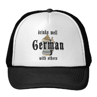El alemán bebe bien con otros Oktoberfest Gorro De Camionero