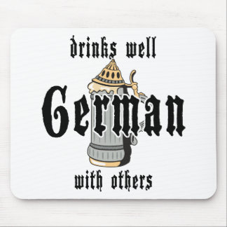 El alemán bebe bien con otros Oktoberfest Mousepads