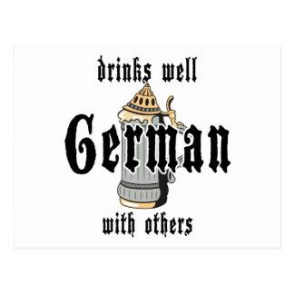 El alemán bebe bien con otros Oktoberfest Postal
