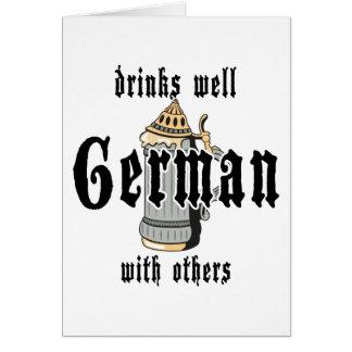 El alemán bebe bien con otros Oktoberfest Tarjeta De Felicitación