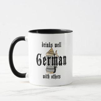 El alemán bebe bien con otros Oktoberfest Taza
