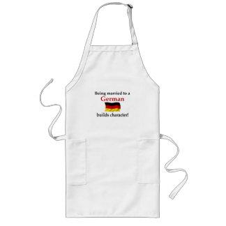 El alemán construye el carácter delantal largo
