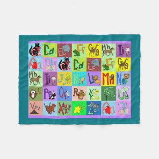 El alfabeto bloquea la manta del bebé