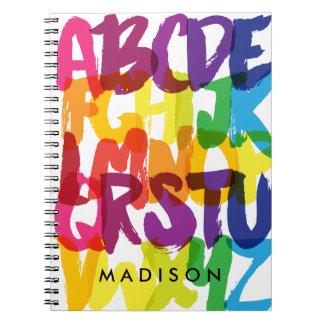 El alfabeto del arco iris embroma el cuaderno