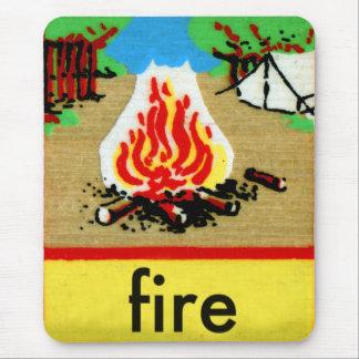 El alfabeto F del deletreo del fuego del campo del Alfombrillas De Ratón