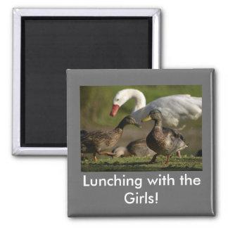 ¡El almorzar con los chicas! Imán