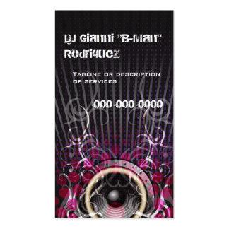 El altavoz de DJ irradia la tarjeta de visita