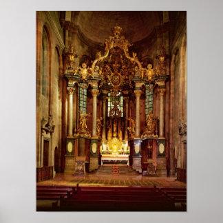 El alto altar en el coro del este póster