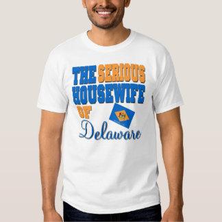 El ama de casa seria de Delaware Poleras