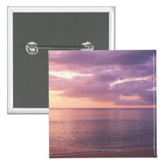 El amanecer resuelve la playa pin cuadrada 5 cm