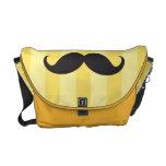 El amarillo negro del bigote raya el bolso de enca bolsas de mensajería