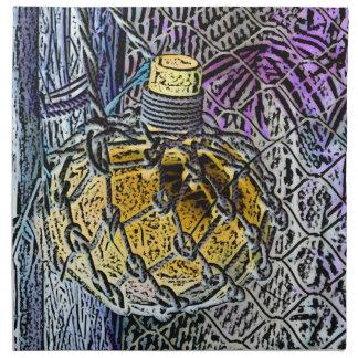 el amarillo púrpura de la botella de cristal color servilletas de papel