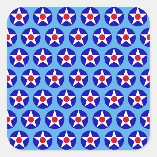 El americano protagoniza al pegatina azul