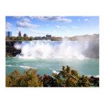 El americano se cae en Niagara Falls Tarjeta Postal